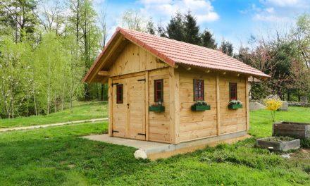 Een tuinhuisje of blokhut in uw tuin