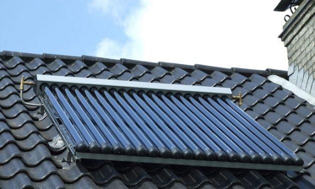 Een zonneboiler mooi integreren in je tuin of huis